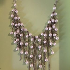 Jewelry - Cascading pearl necklace
